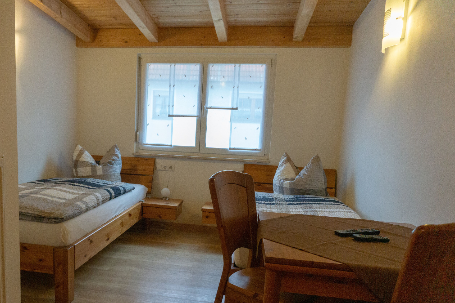 Doppelzimmer-John-Veitsbronn-bei-Fuerth